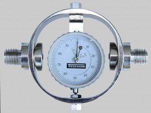 Universal-Ringkraftmesser mit Verschraubung fr Zug- und Druckkraft komprimiert